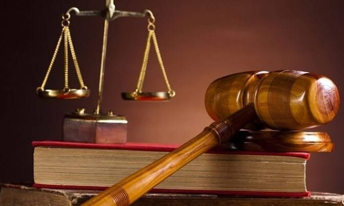 Hukuk fakültelerinde bir dönem bitiyor! 4 yıl okuyup diploma almaya son