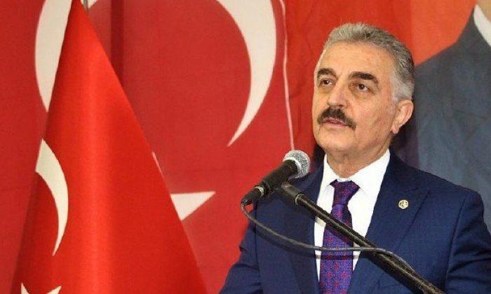 Davutoğlu'nun beynine ve gönlüne Türklüğü sokma ihtimali yoktur