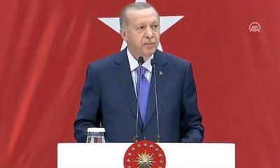 Cumhurbaşkanı Erdoğan korsanların saldırısına uğrayan geminin kaptanlarından Furkan Yaren'le görüştü
