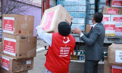 MHP Lideri Bahçeli'nin yardım tırları göçmenlere ulaştı