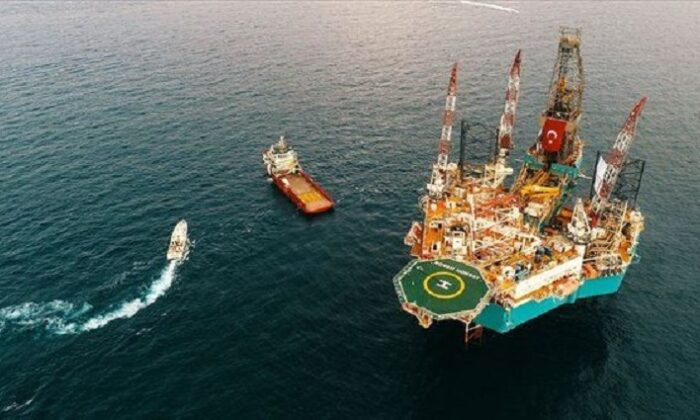 Türkiye'den petrol ve doğal gaz hamlesi! Aramalar 2 bölgede yoğunlaştı