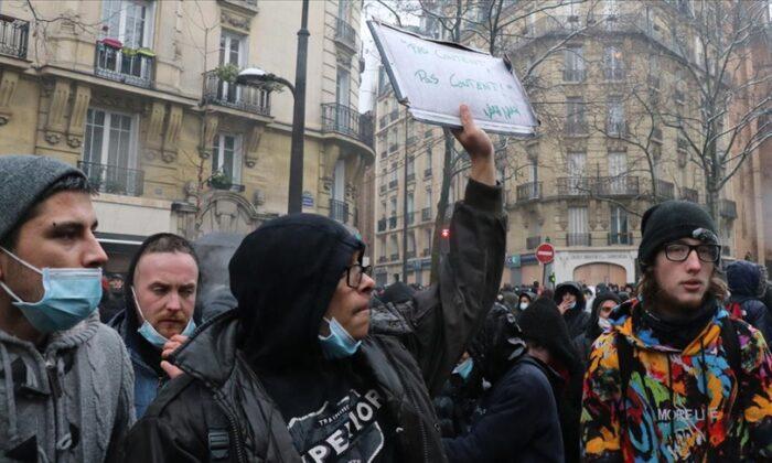 """""""Fransa'da yabancı düşmanlığı artık gizlenmiyor"""""""