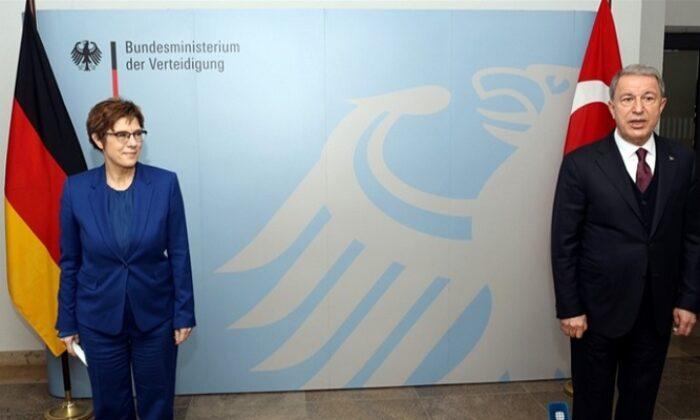 Kramp-Karrenbauer: Türkiye önemli NATO partneridir ve öyle kalacaktır
