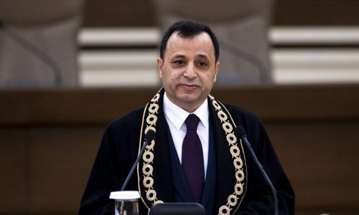 Arslan: Anayasa hükümleri üstün hukuk kurallarıdır