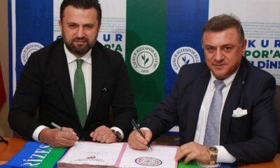 Çaykur Rizespor yeni hocası Bülent Uygun ile sözleşme imzaladı