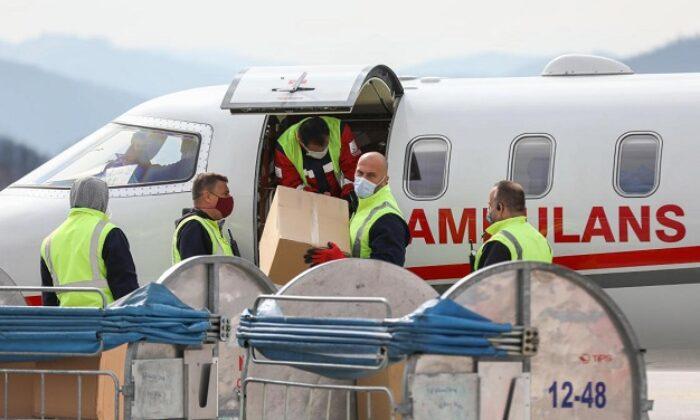 Türkiye'nin hibe ettiği Kovid-19 aşıları Bosna Hersek'e ulaştı