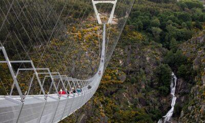 Dünyanın en uzun yaya asma köprüsü açıldı