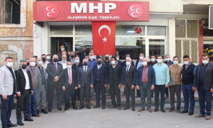 İP'de deprem! MHP'ye geçen partili sayısı 135'e yükseldi