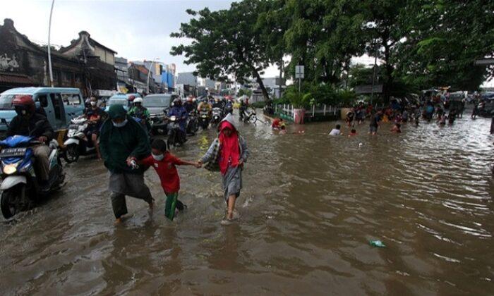 Endonezya'da sel felaketi: Çok sayıda ölü var