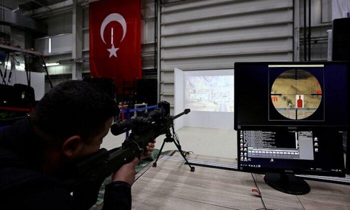 HAVELSAN'ın geliştirdiği Gerçek silah ve ekipmanla Keskin Nişancı Simülatörü