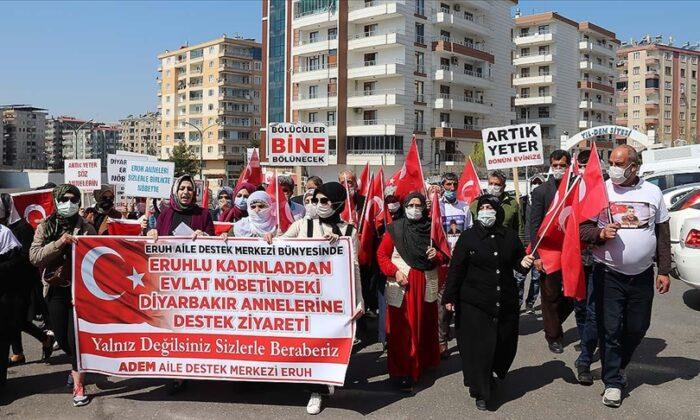Diyarbakır annelerine Siirtli kadınlardan destek ziyareti