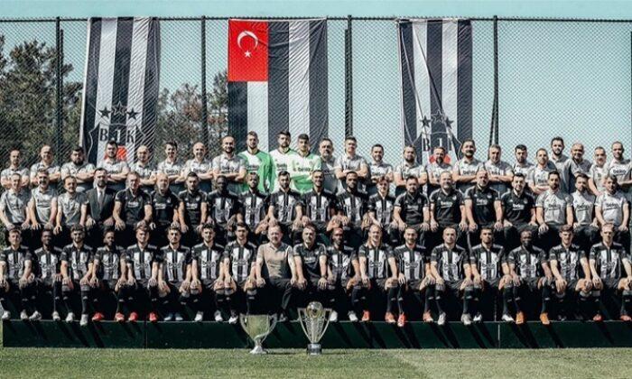 Beşiktaş'tan iki kupalı paylaşım