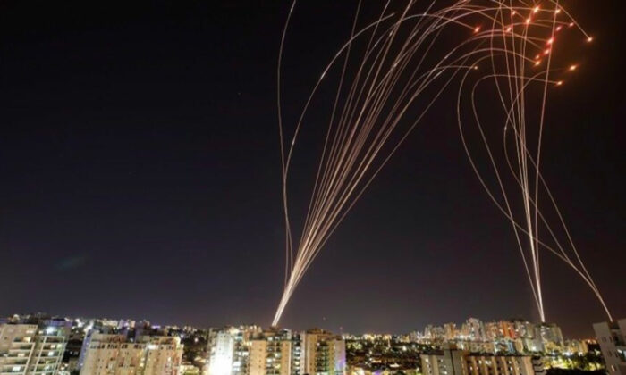 Tel Aviv'de sirenler çalmaya başladı