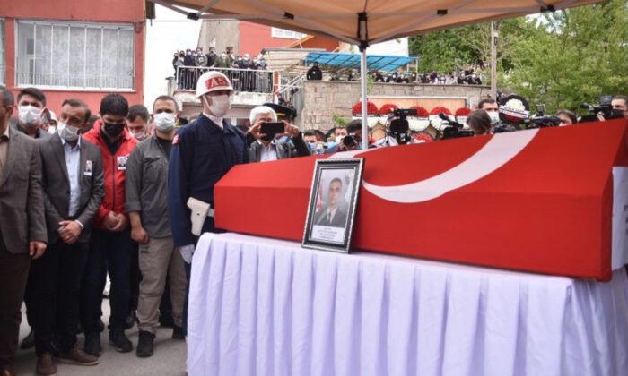 Şehit Uzman Onbaşı Eyyüp Gergin Kayseri'de son yolculuğuna uğurlandı