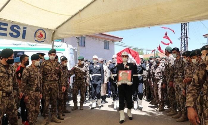 Şehit özel harekat polisi Veli Kabalay, Denizli'de toprağa verildi