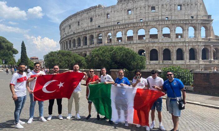 İtalya'da 'Türkiye' tezahüratları! Milli Takımı yalnız bırakmadılar