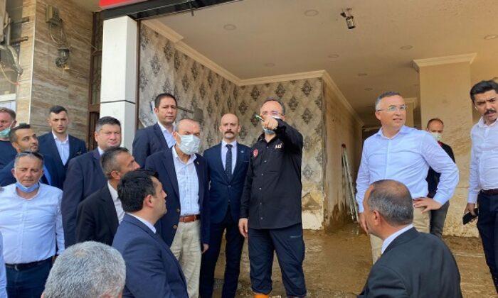 MHP heyeti felaketzedelerin yaralarını sarmak için Rize'de