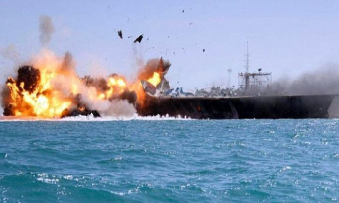 Arap koalisyonu bomba yüklü tekneleri imha etti