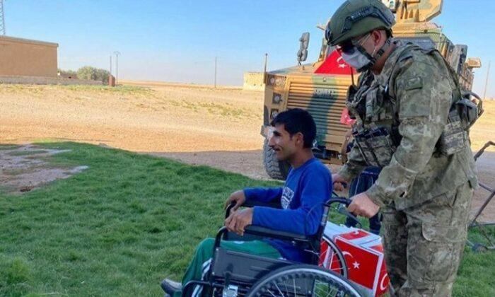 Mehmetçik, Suriye'de yaraları sarmaya devam ediyor