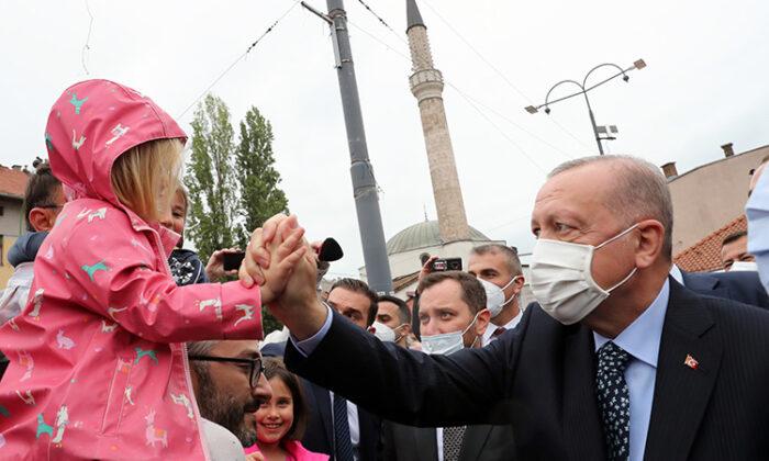 Saraybosna Başçarşı Camisi, Cumhurbaşkanı Erdoğan'ın katıldığı törenle yeniden ibadete açıldı