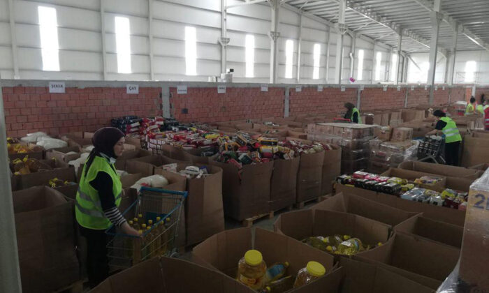 Afet  bölgelere 1 milyonun üzerinde ayni bağış yapıldı